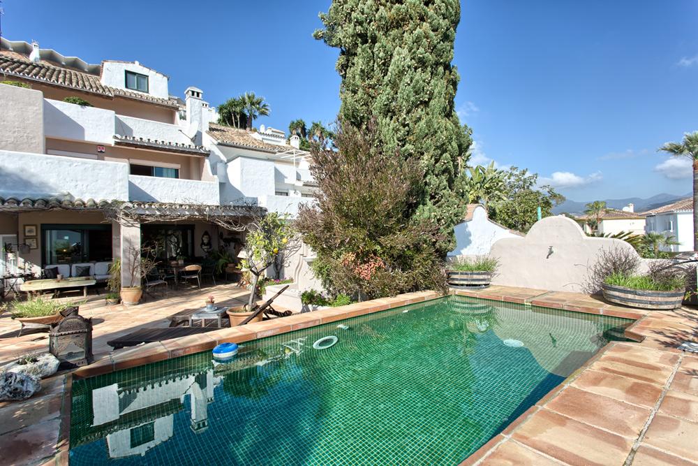 Maisons mitoyenne en vente Nueva Andalucía, Costa del Sol