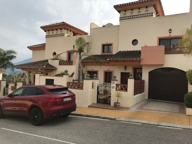 Townhouse for Sale Coín, Costa del Sol