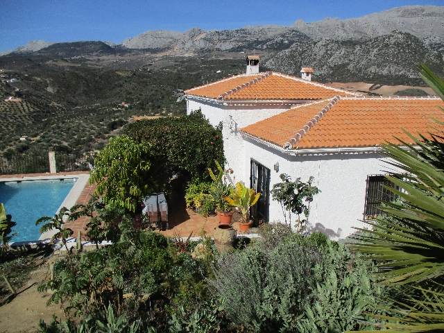 746811730 - Country Home for sale in Riogordo, Málaga, Spain