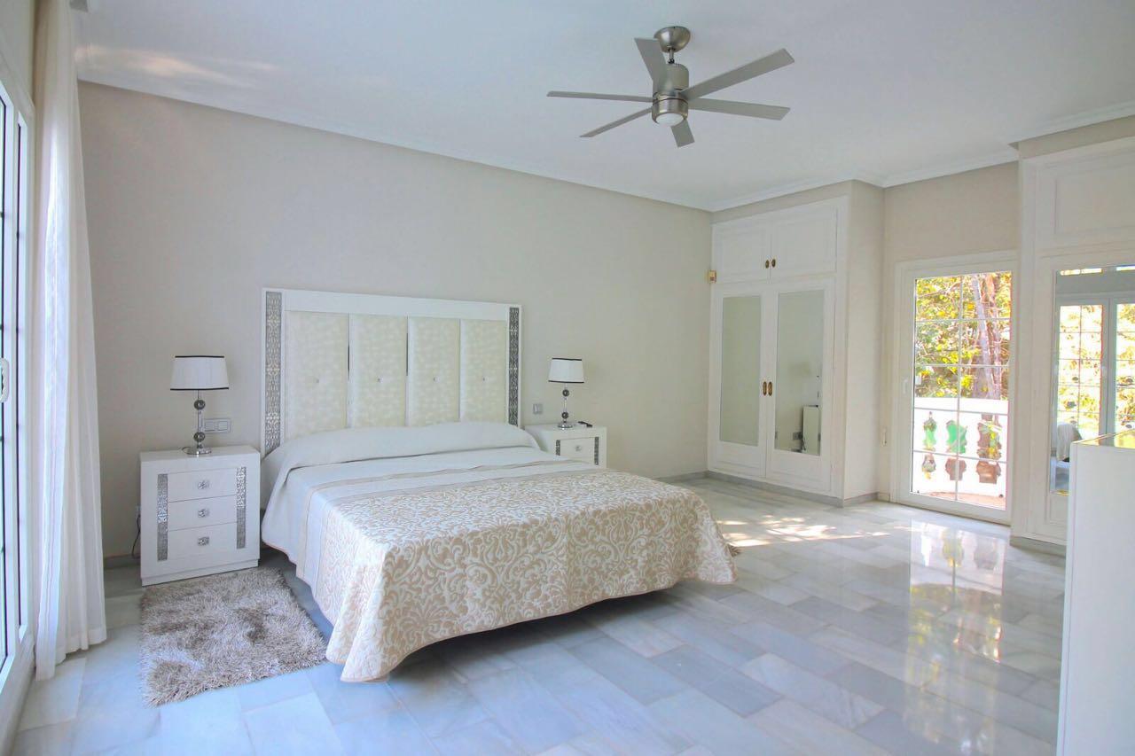 V5271 Villa For Sale Nueva Andalucia (3)