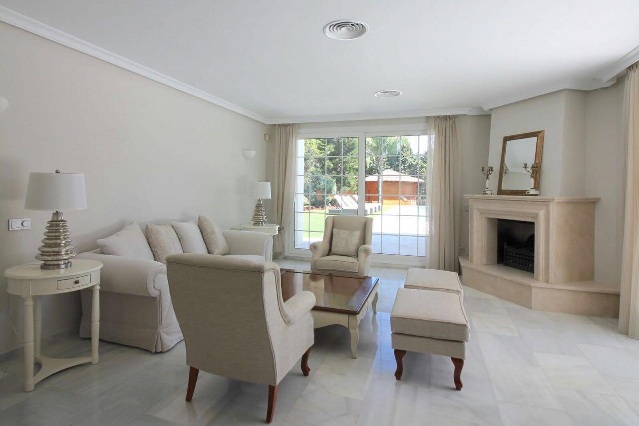 V5271 Villa For Sale Nueva Andalucia (5)
