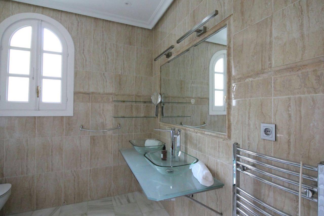 V5271 Villa For Sale Nueva Andalucia (12)