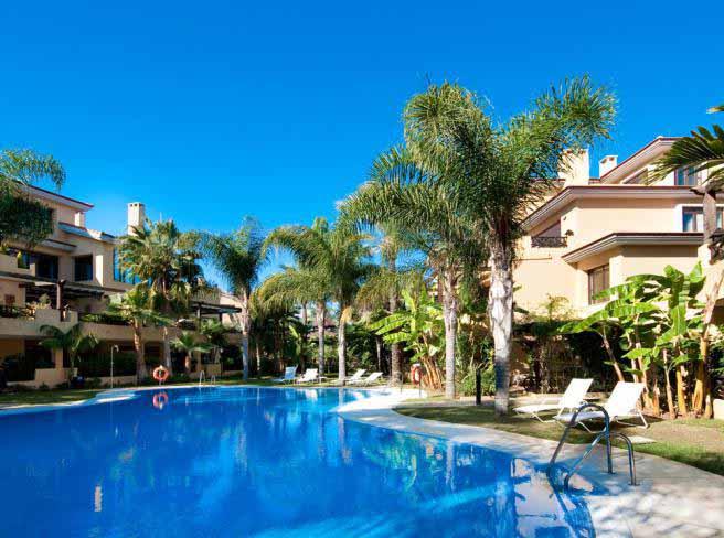 V5273 Beachside Villa Puerto Banus 1.jpeg - copia