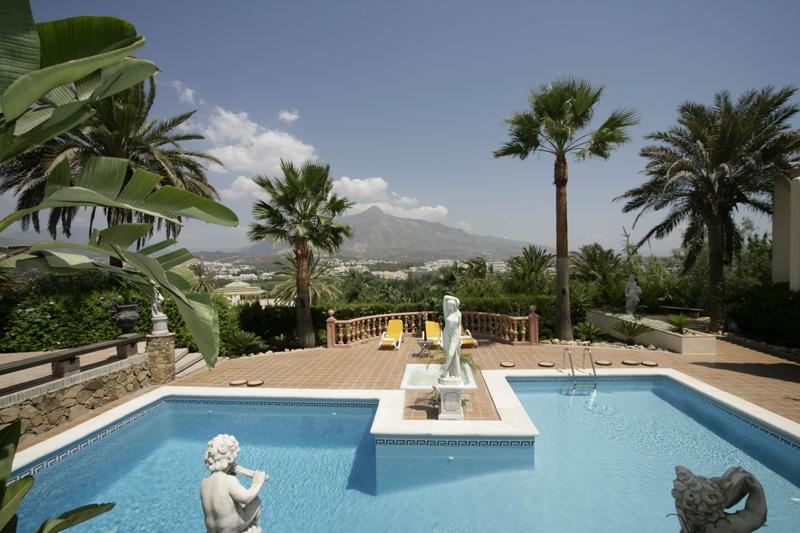 V5332 Luxury villa 1