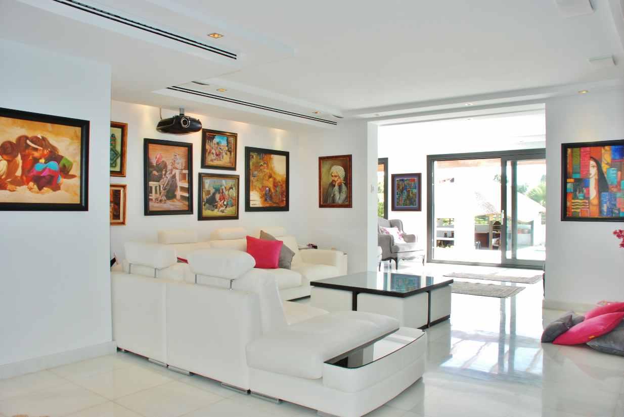 V5350 Modern Villa Nueva Andalucia 3