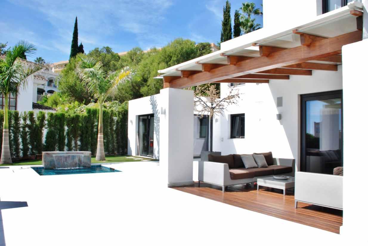 V5350 Modern Villa Nueva Andalucia 10