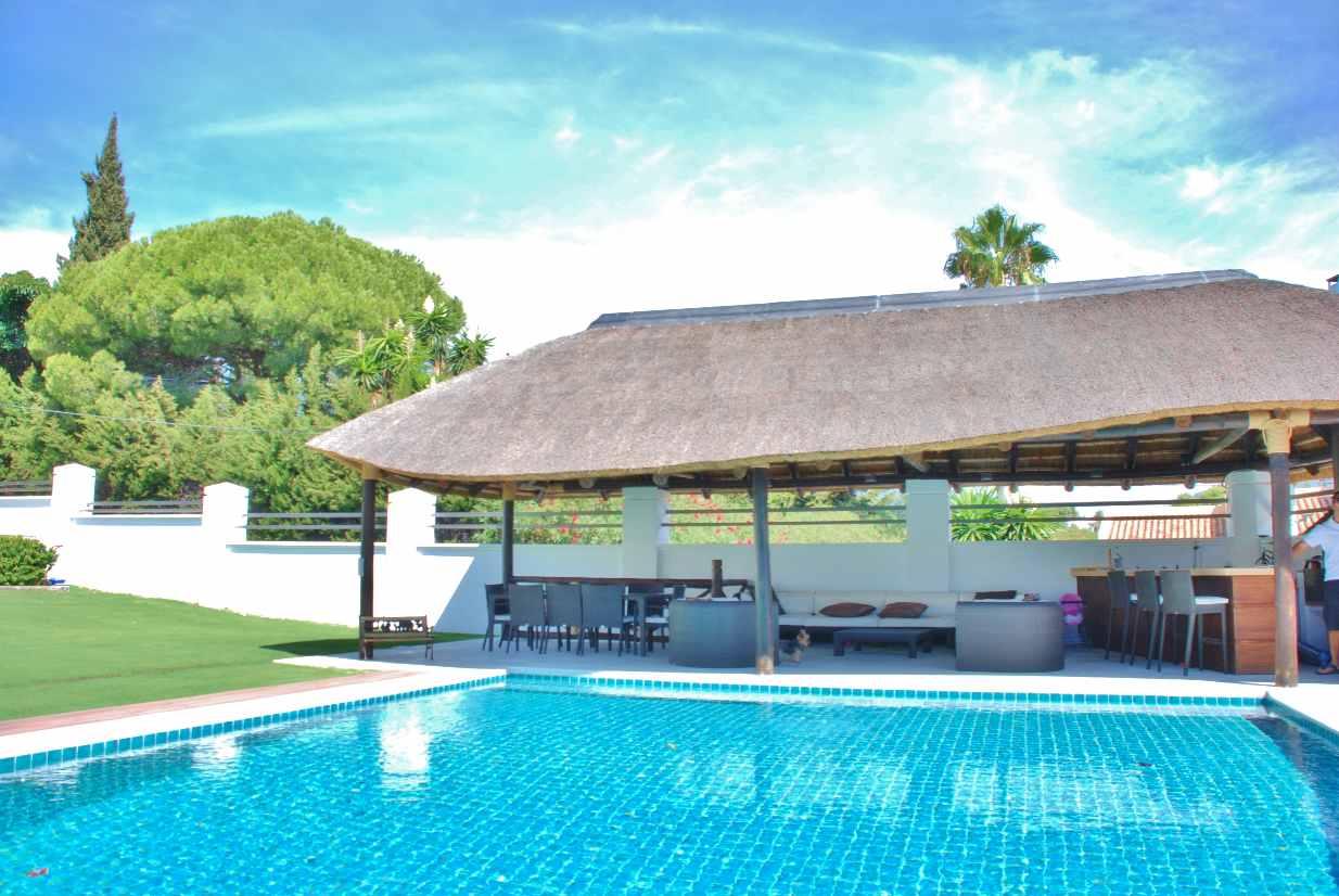 V5350 Modern Villa Nueva Andalucia 11