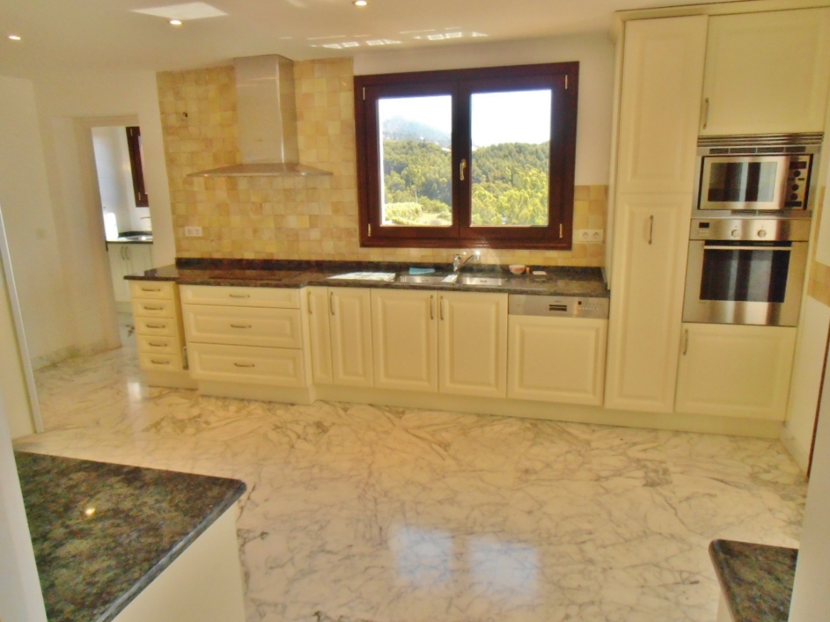A5380 Luxury Apartment in Marbella 2