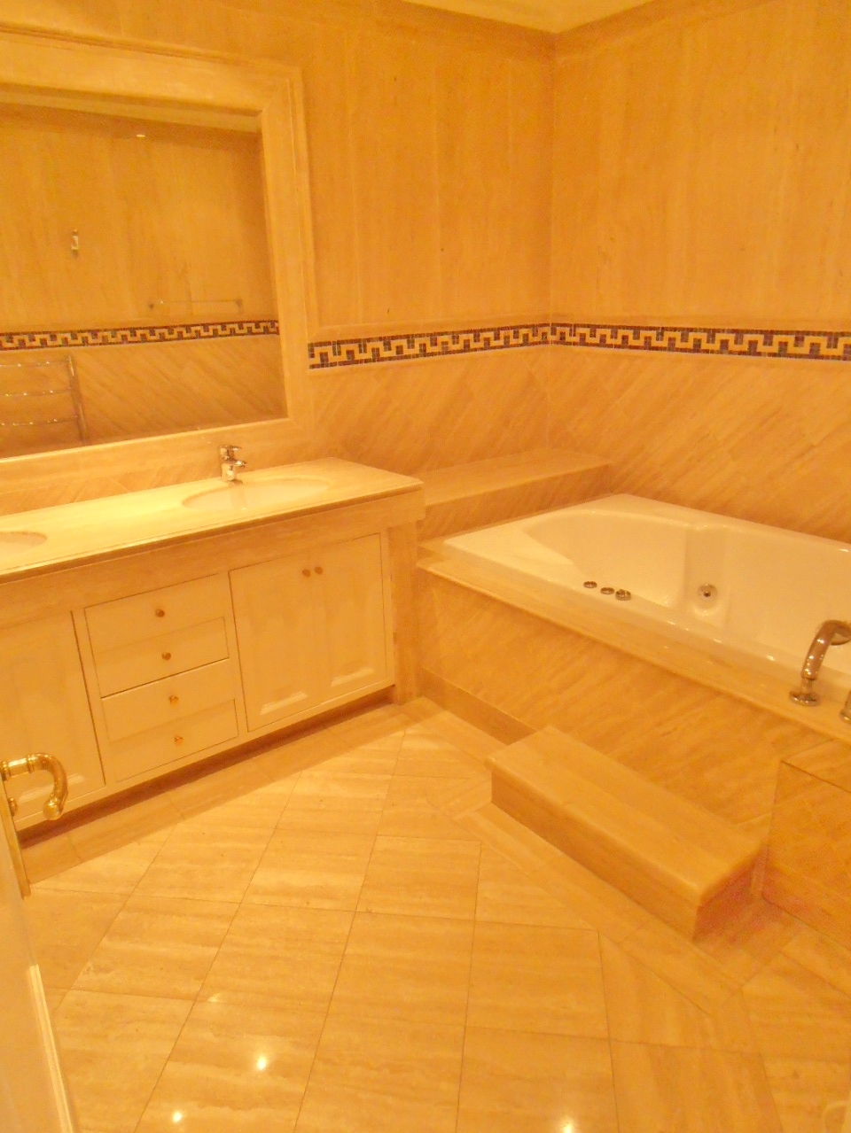 A5380 Luxury Apartment in Marbella 8