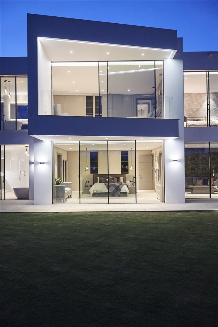 Exclusive Contemporary Villa for sale Benahavis Spain (18) (Large)