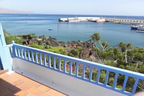 H1431 Balcony view