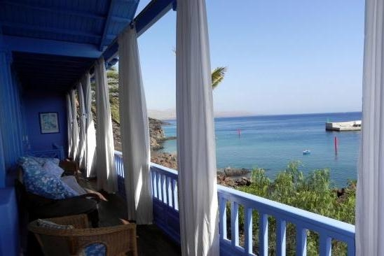 H1431 Balcony