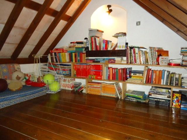 Mezzanine floor space above the living room