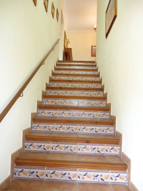 wide internal stair case