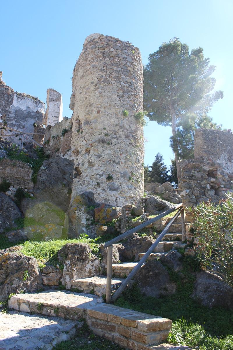 Pueblo-Castle