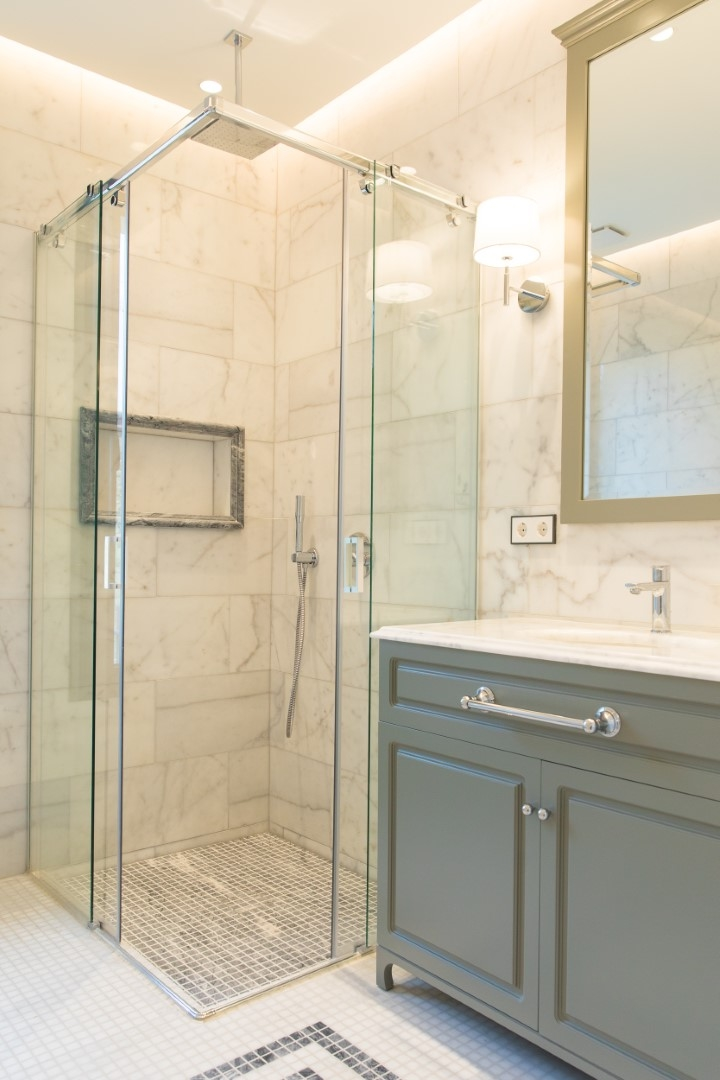Guest bathroom  (3)