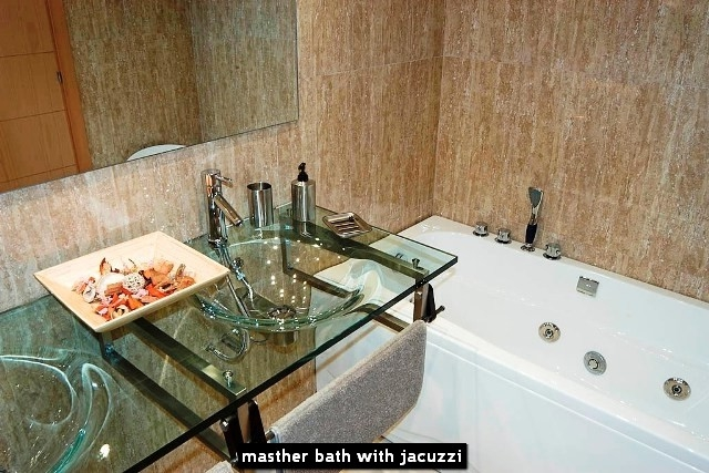 masther bath with jacuzzi