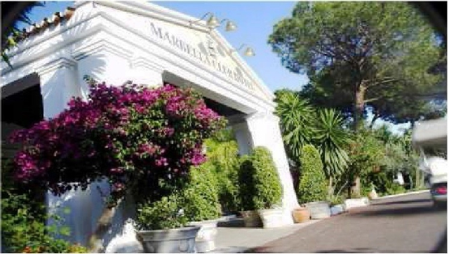 free access to Marbella Club Beach Club amenities