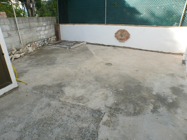 area with hole for pool underneath