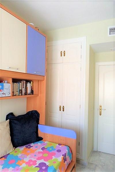 06.Dormitorio individual II.jpg