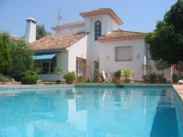 Lovely Villa for Sale in Guadalmina Alta, Marbella
