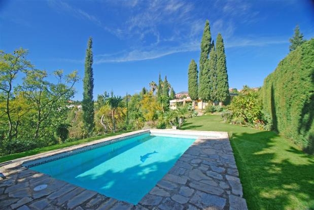 Rustic Villa for Sale in Benahavís, Costa del Sol