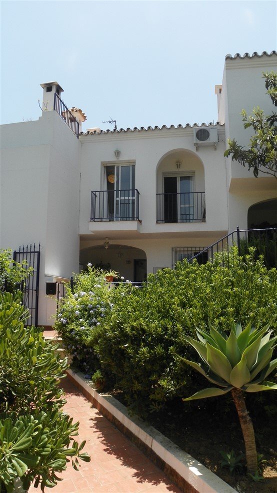 For sale: 3 bedroom house / villa in Estepona, Costa del Sol