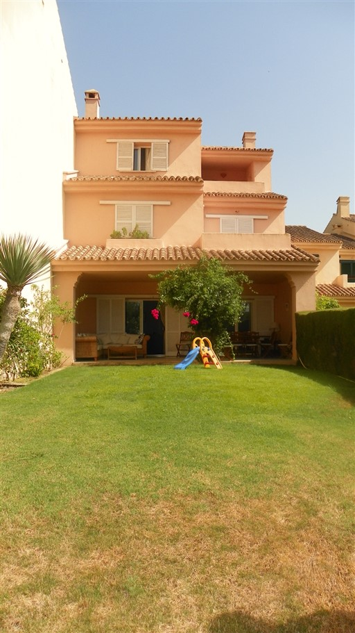 For sale: 5 bedroom house / villa in San Roque