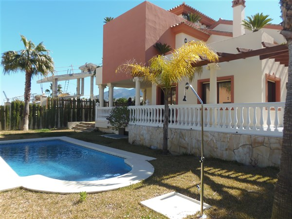 For sale: 4 bedroom house / villa in Coin, Costa del Sol