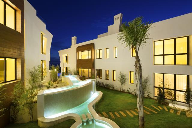 4 bedroom apartment / flat for sale in Marbella, Costa del Sol