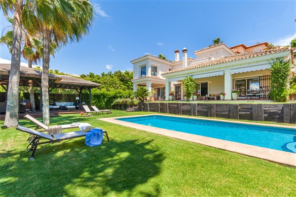 For sale: 5 bedroom house / villa in Benalmadena