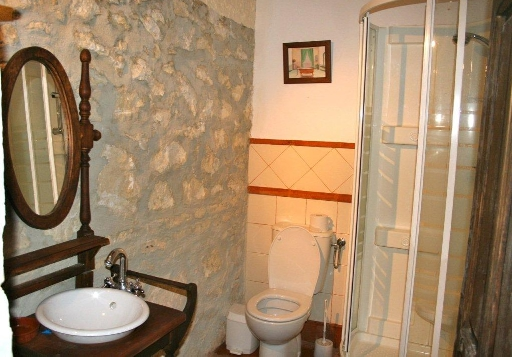 A Bathroom 1_3
