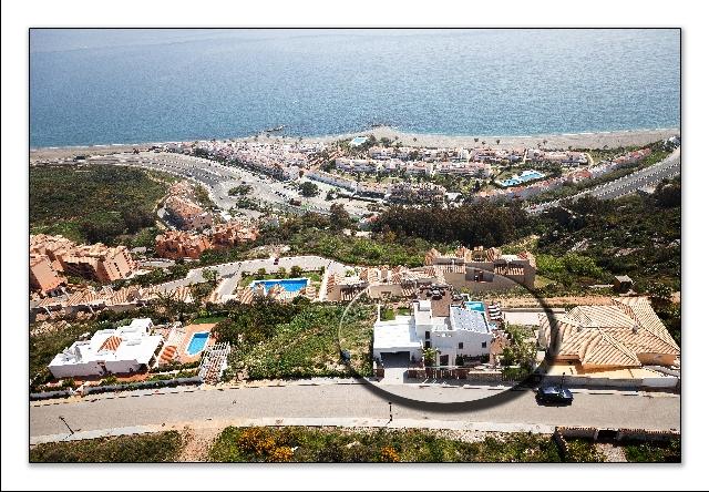 1 Villa 48  Overview