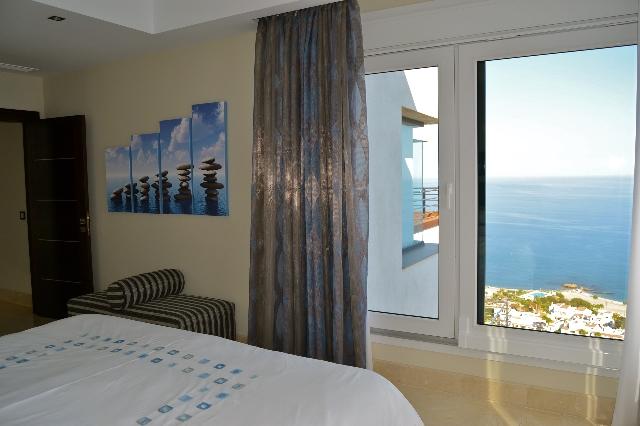 10 Villa 48 Bed 2