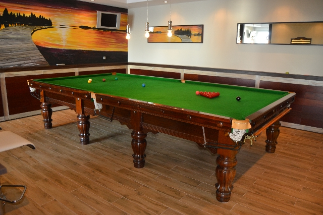18 Villa 48  Snooker