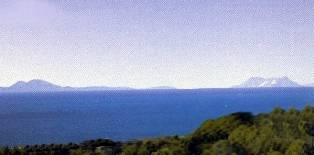 450,000 M2. - Large Finca situated approx 6 km from main costal road, opposite Dominion Beach.