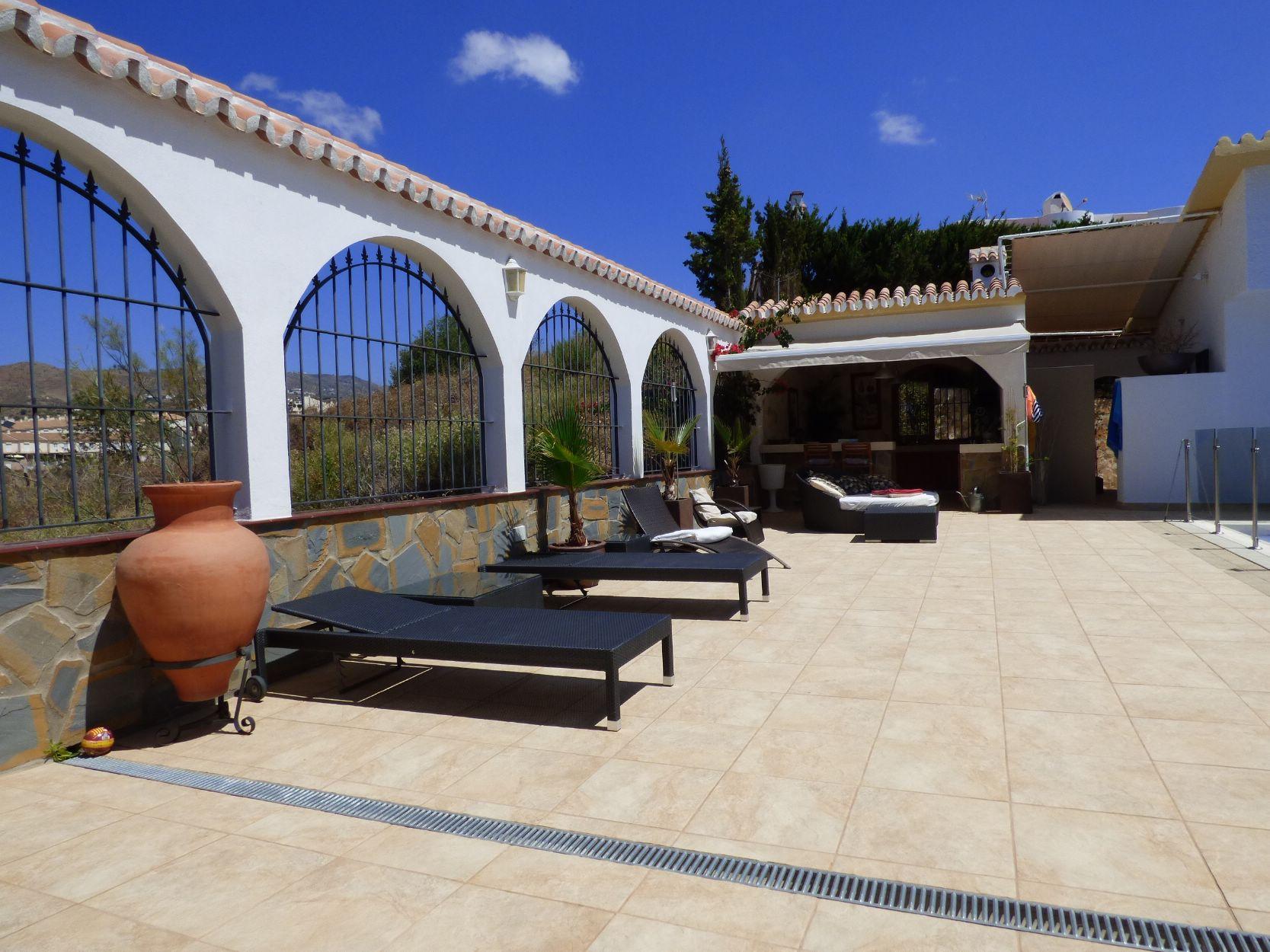 outside kitchen terrace