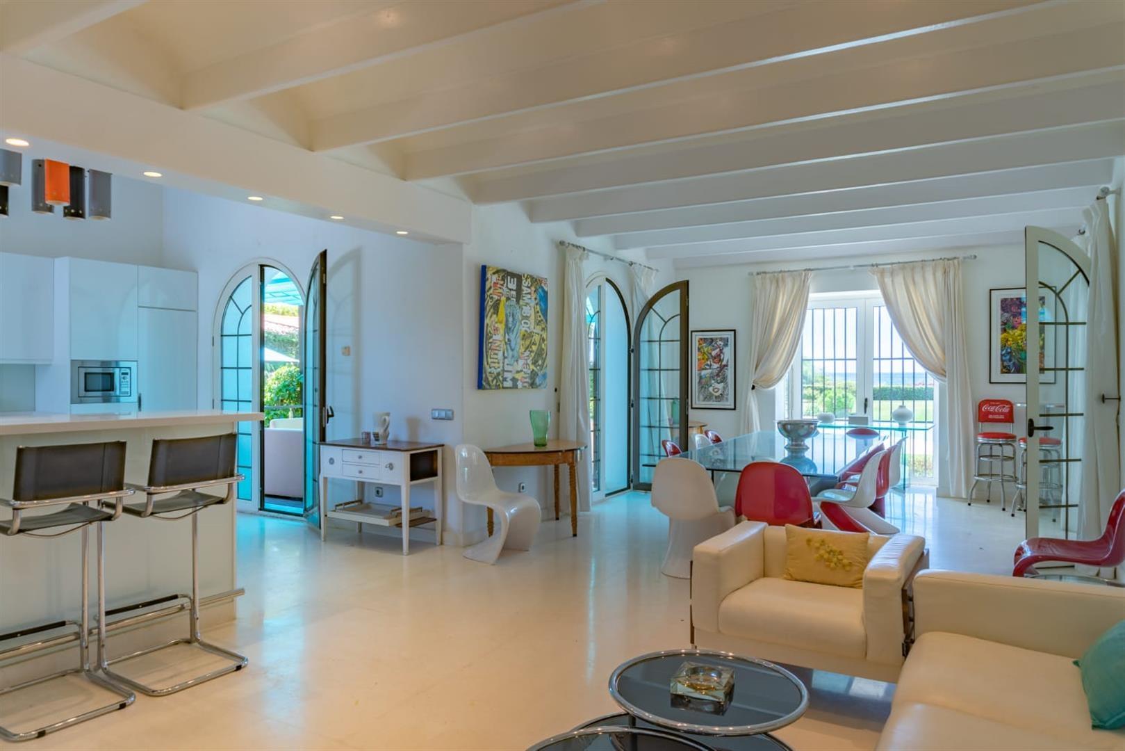 Beachfront Villa for sale Marbella Spain (3) (Large)