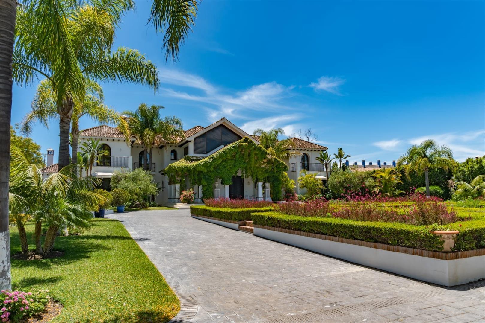 Beachfront Villa for sale Marbella Spain (4) (Large)