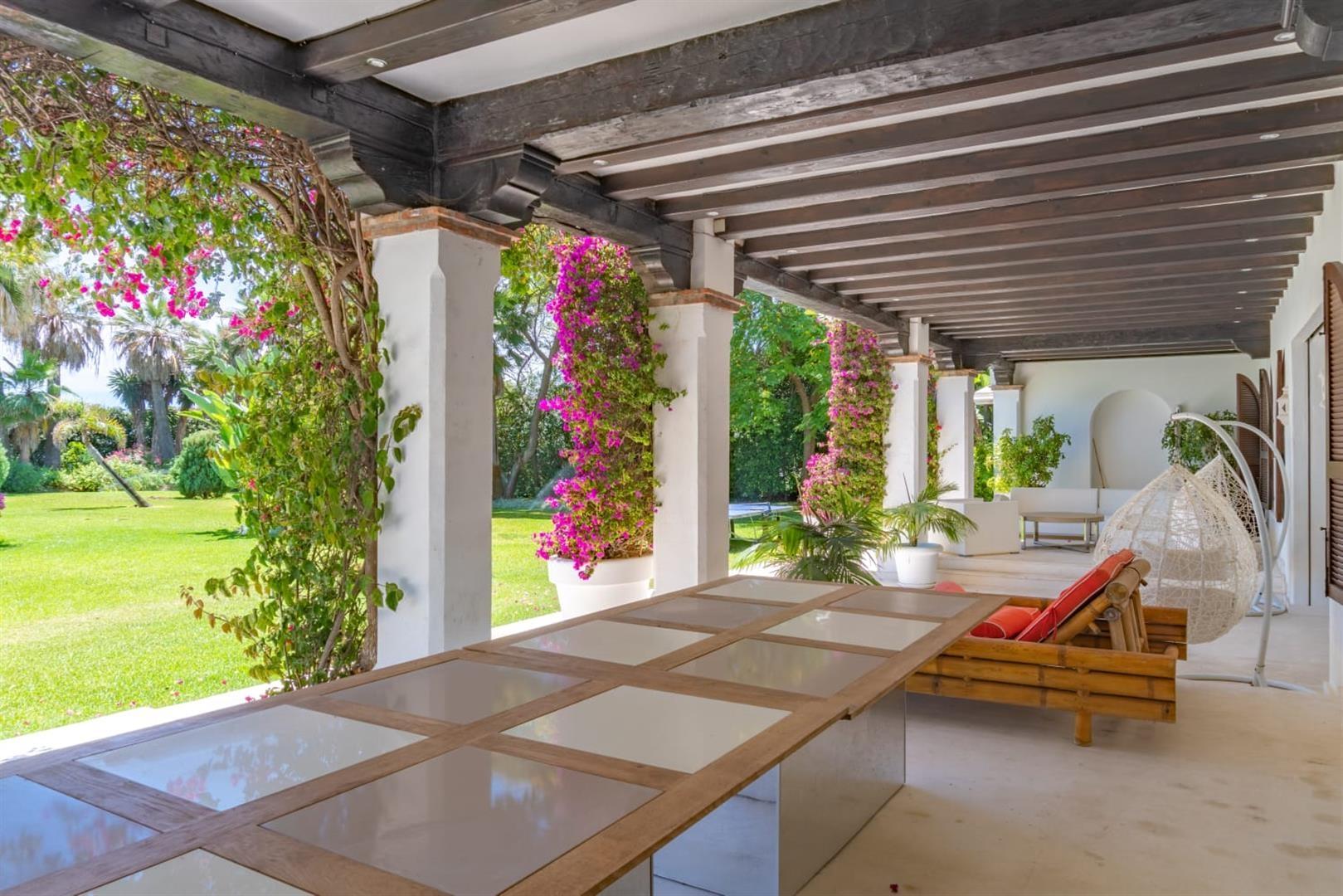 Beachfront Villa for sale Marbella Spain (5) (Large)