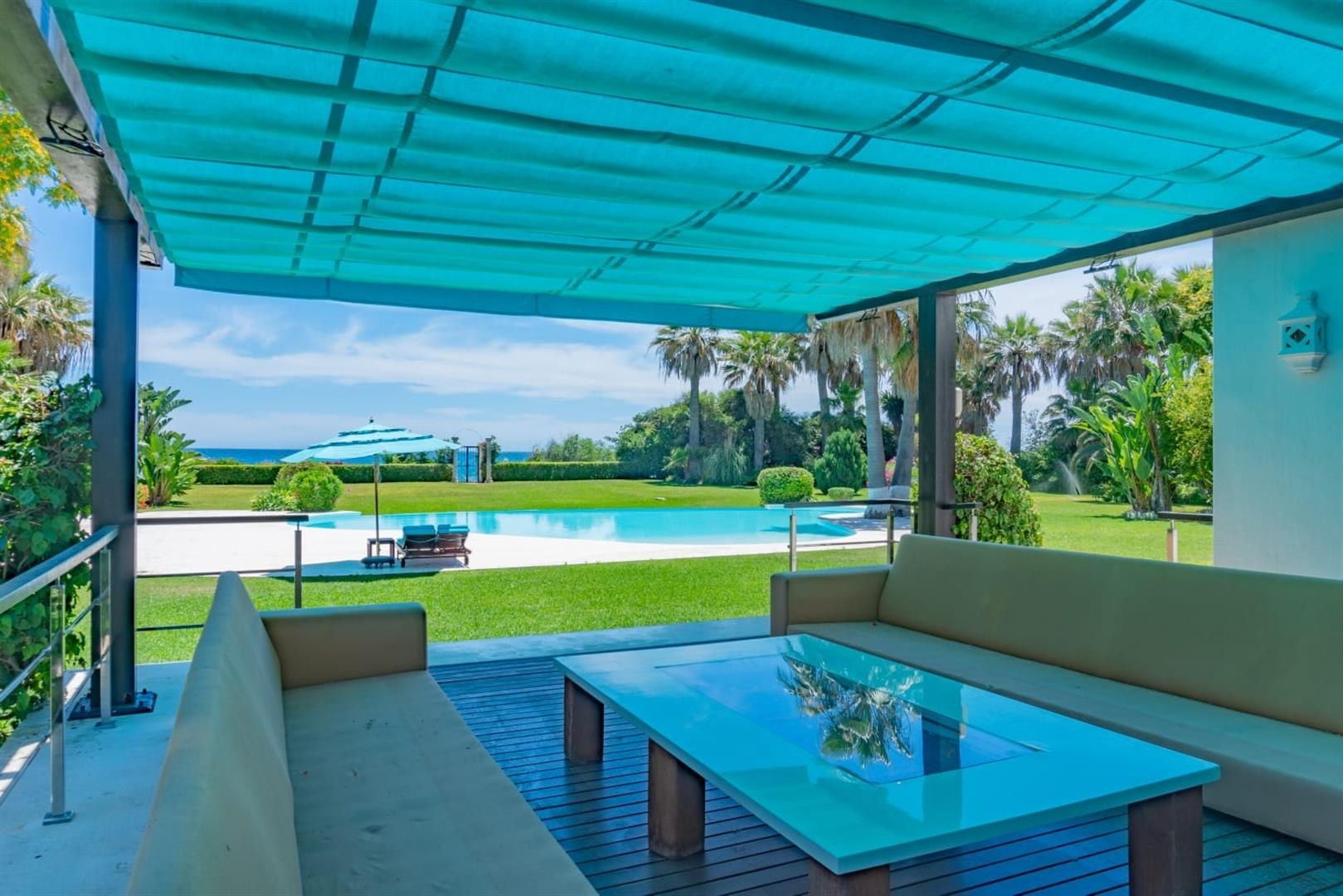 Beachfront Villa for sale Marbella Spain (11) (Large)