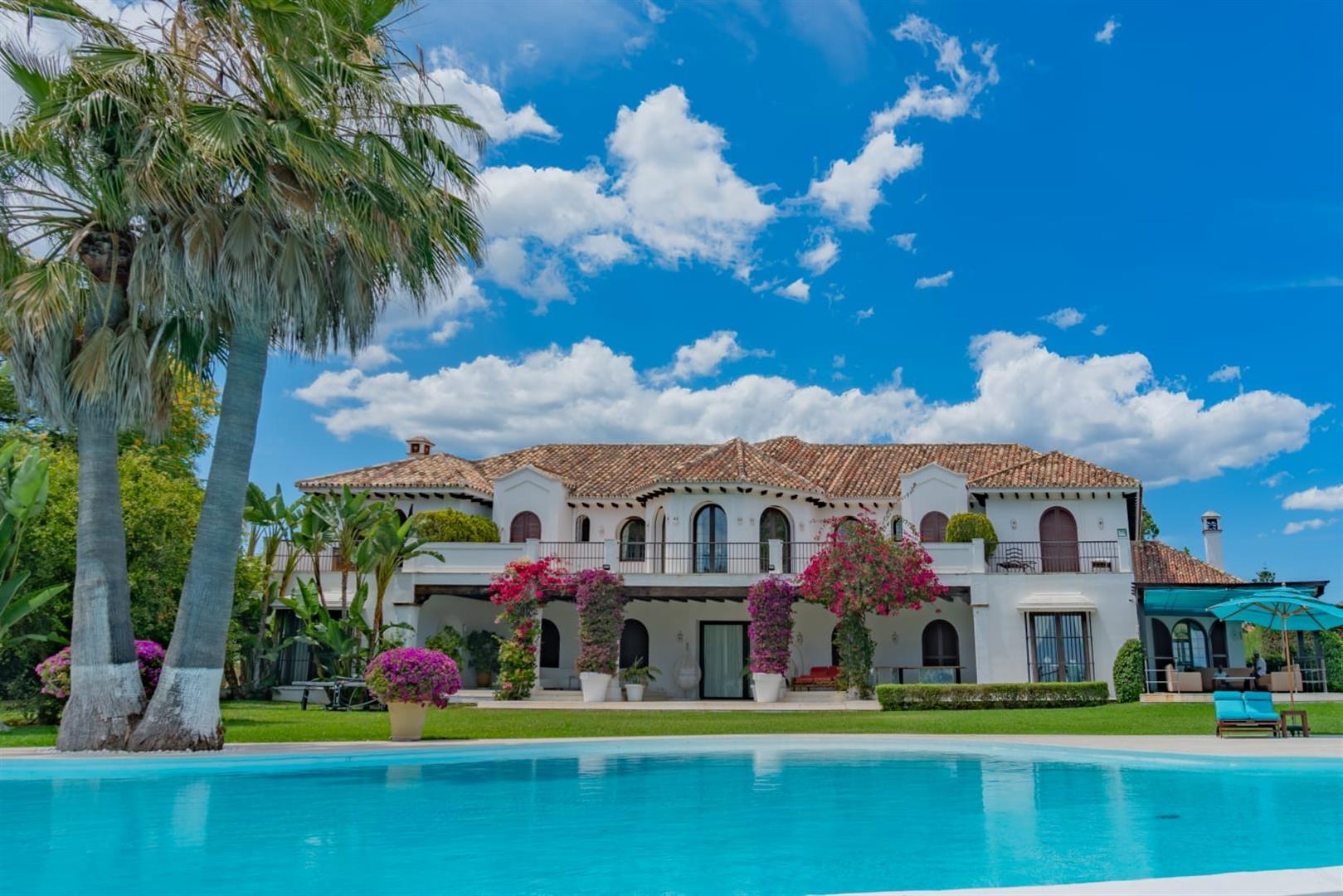 Beachfront Villa for sale Marbella Spain (13) (Large)