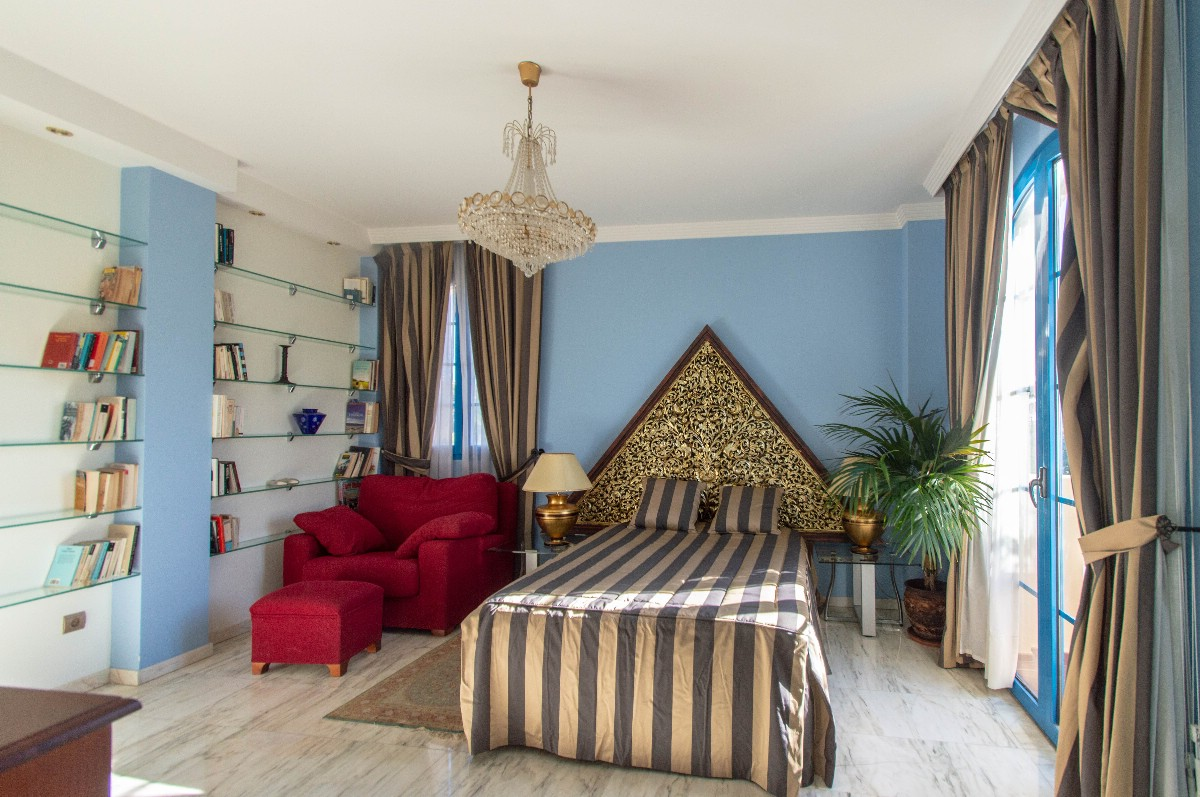 Mai bedroom
