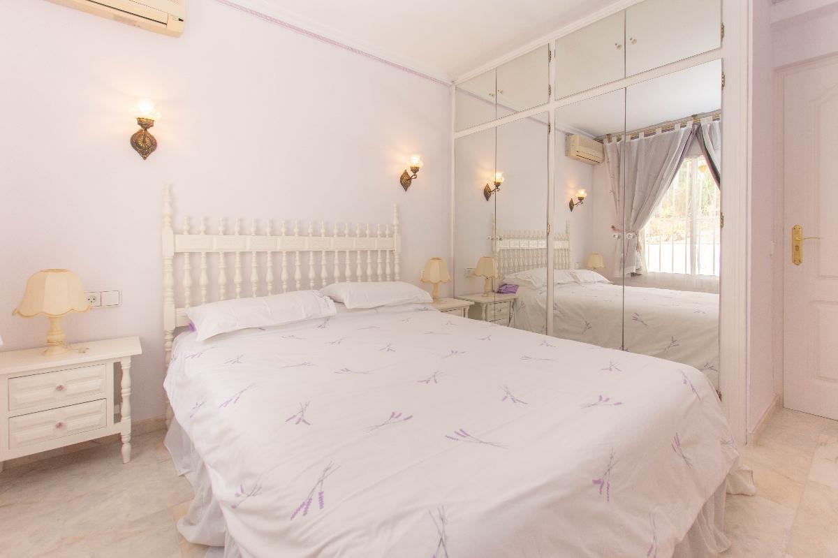 1st bedroom2