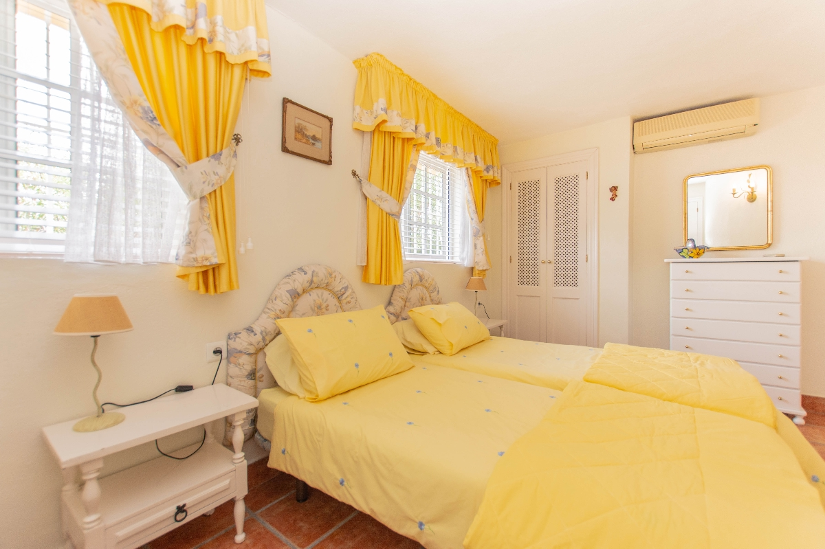 5th bedroom downstaires1