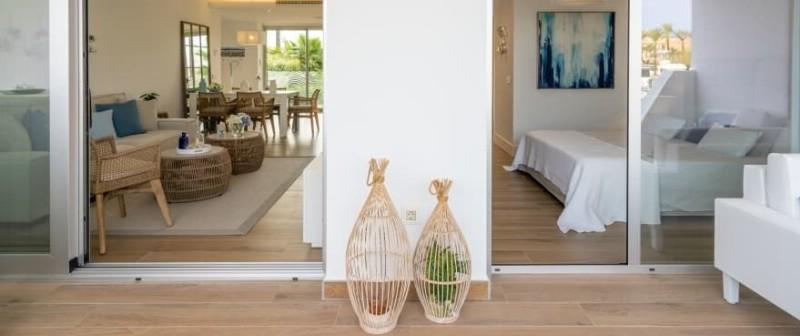 B7_1_Pier_apartments_Sotogrande_Bedroom_NEW-880x370