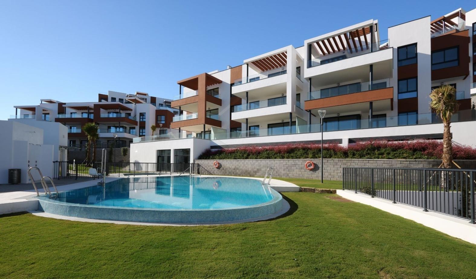 Pool area - complex 3