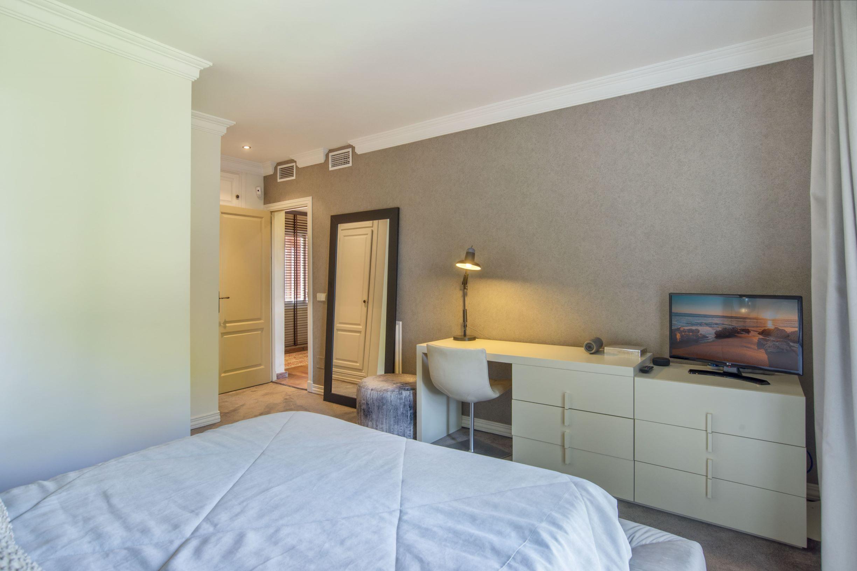 Bedroom 3-3