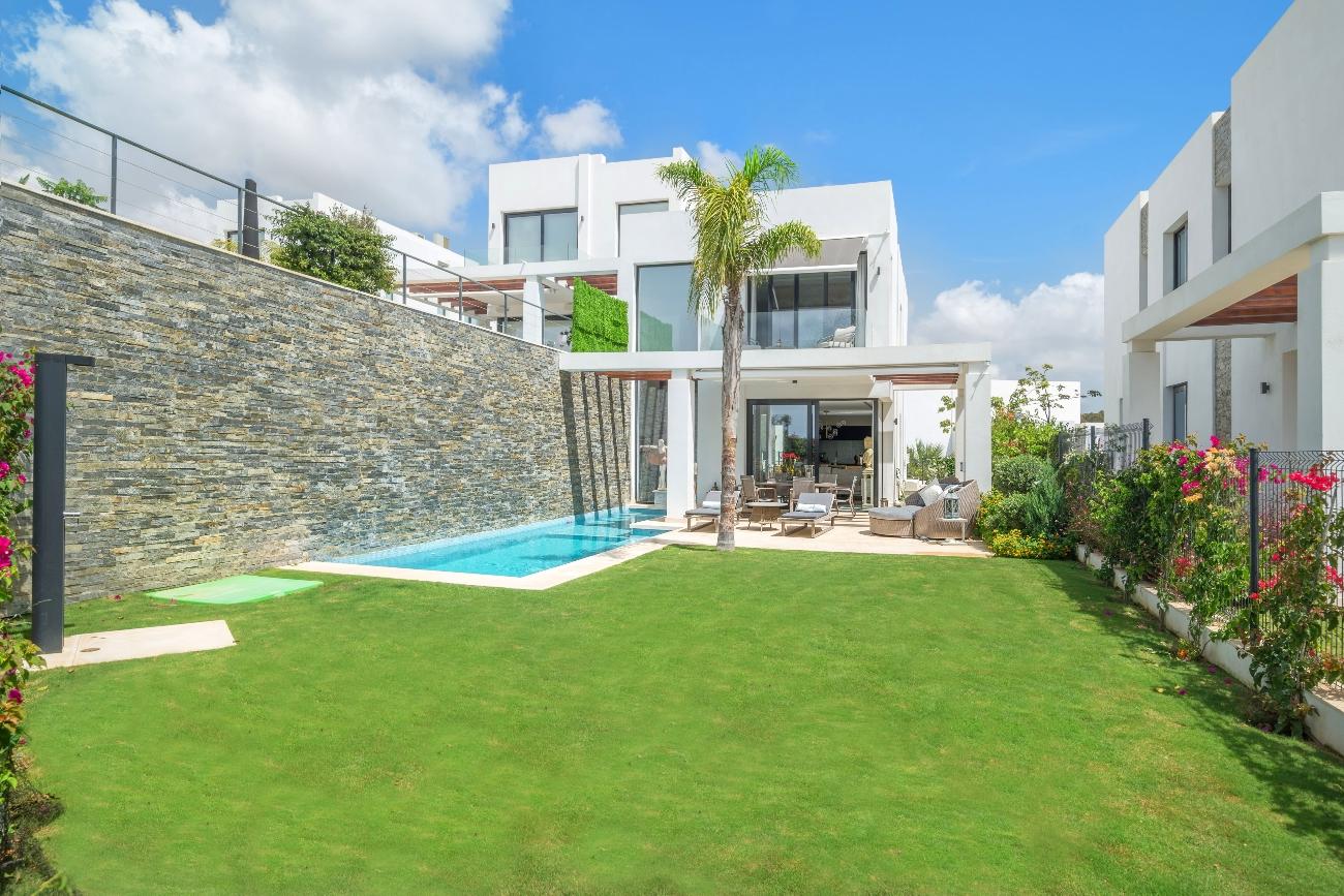 Property - garden - pool