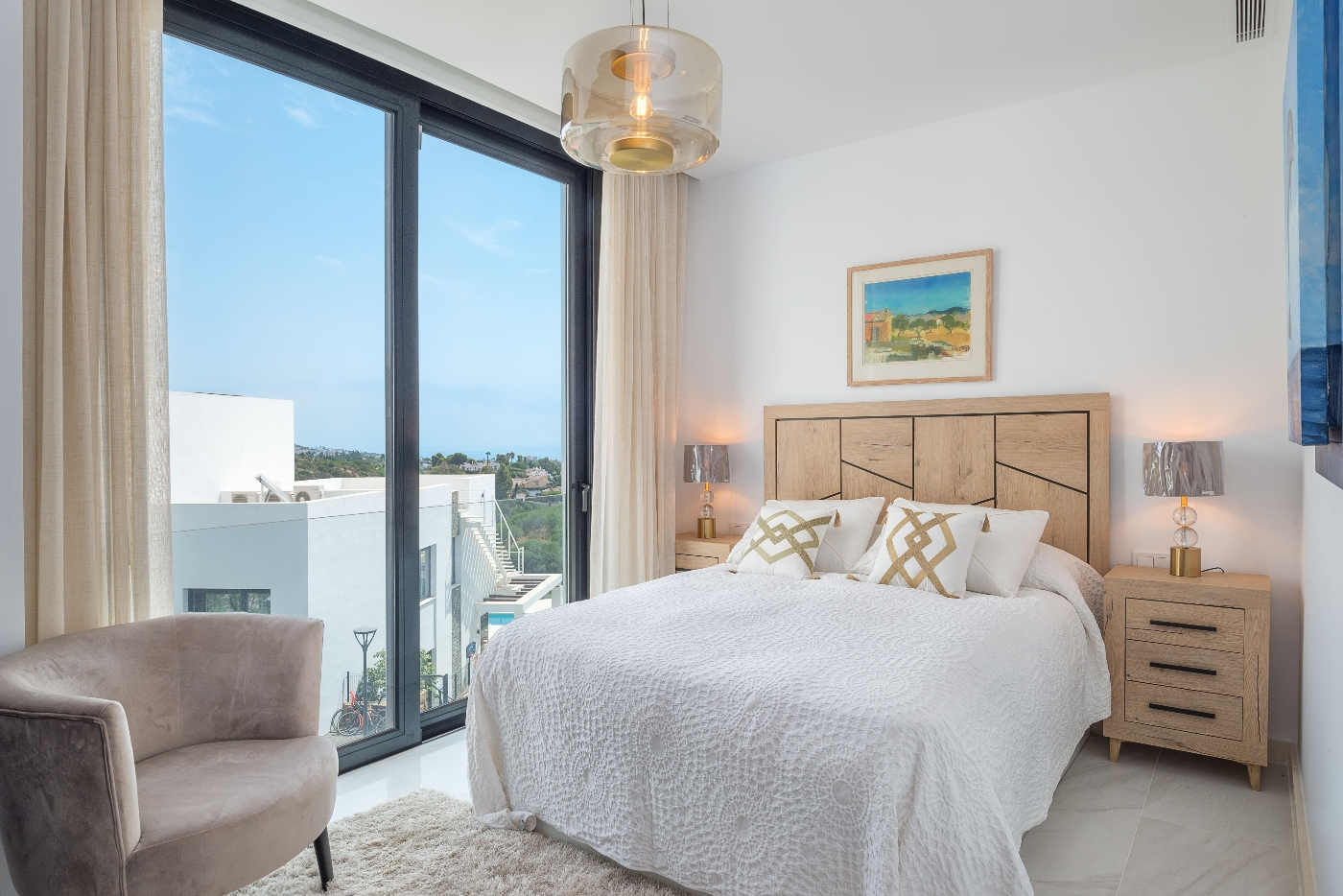 2nd bedroom with sea views